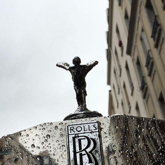 Rock'n'Rolls in the Rain