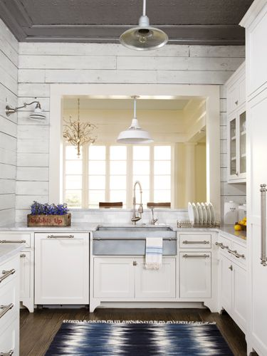8 ways to bring character to your kitchen house cleaning - Kitchen sinks austin tx ...