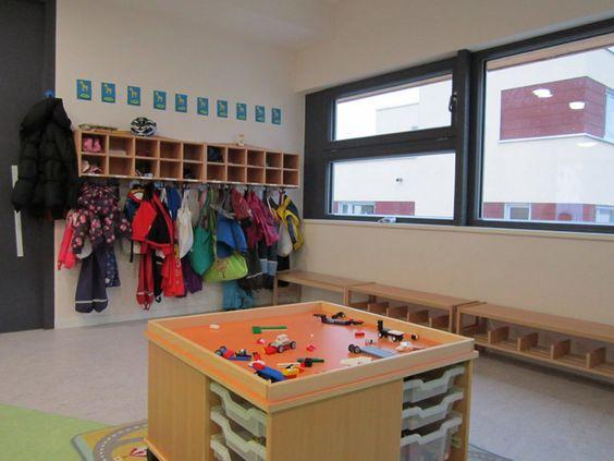 jacken wechselw sche und sitzplatz schuhe trennen kita pinterest vorschule. Black Bedroom Furniture Sets. Home Design Ideas