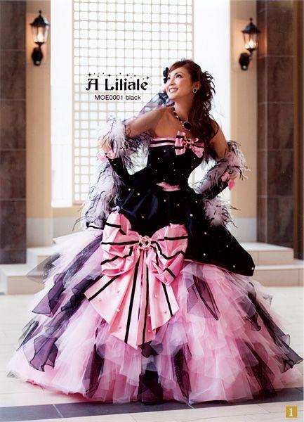 押切もえ大きなリボンが可愛いドレス