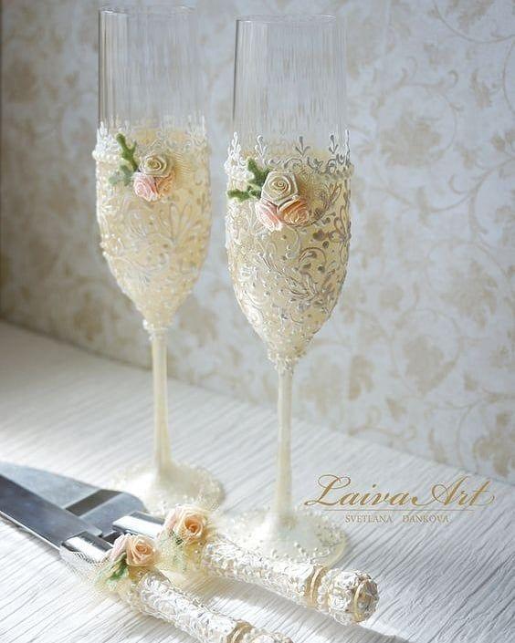 Pin By Sonia Tourkolia On منشوراتي المحفوظة In 2021 Toasting Flutes Wedding Wedding Champagne Flutes Wedding Champagne Glasses