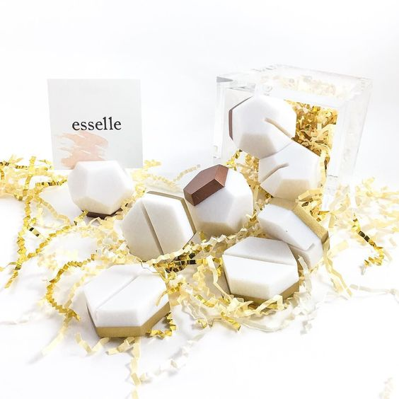 We love creating products that are versatile- what would you use these place card holders (other than name cards of course) for? #esselle #handpainted