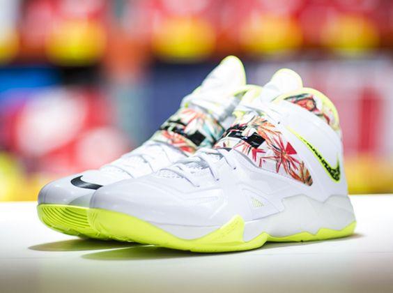 Nike LeBron Soldier 7 Carbon
