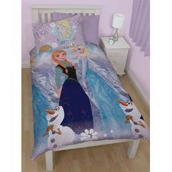 """Housse de couette réversible La Reine des Neiges """"Crystal"""". Une parure de lit à tout petit prix !  #parurereinedesneiges #couettefrozen #couetteannaetelsa"""