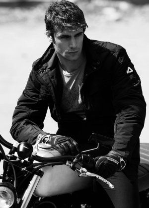 #HunkDay okay, I know, this is already on the hunk board but come on.... just look at him!  Clearly he deserves to be duplicated - and shared :-)
