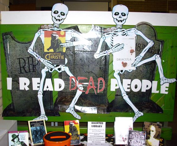 I Read Dead People. Now THAT's an eye-grabbing paraphrase, even without the skeletons!: