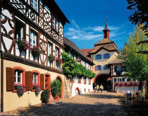 Ruta desde Friburgo por el frondoso sur alemán · National Geographic en español. · Rutas y escapadas