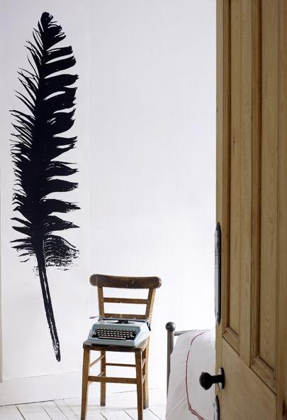 Zwarte veer behang van de Britse Tracey Kendall