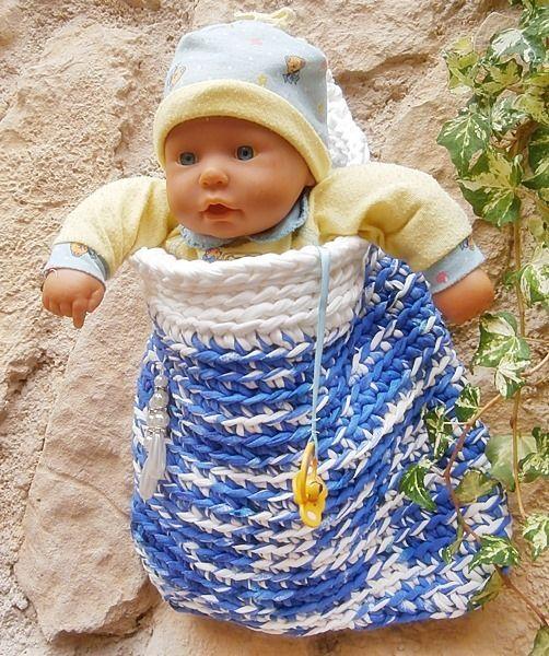 Babyzimmer-Utensilo in Blauweißtönen mit Perlen von La Isla San auf DaWanda.com