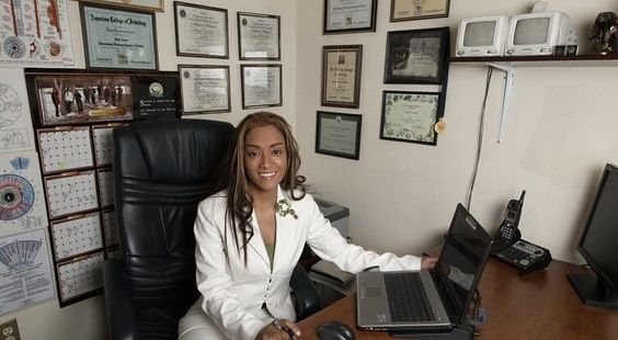 Dr. Julissa Hernandez, ND, CNHP Thyroid health