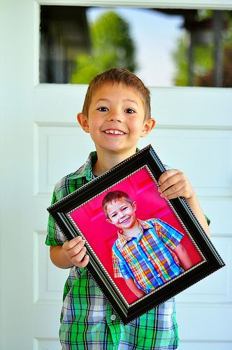12 Ideas for Your Child's First Day of School Photo (*sniff*)