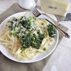 #159045 - Fettuccine with Broccoli Peas and Lemon Cream Sauce