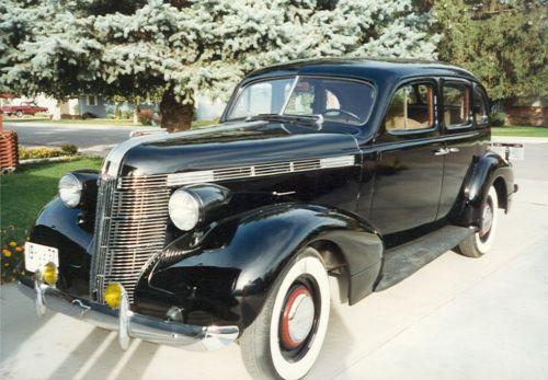 1937 pontiac 4 door restored dream transportation for 1940 pontiac 2 door sedan