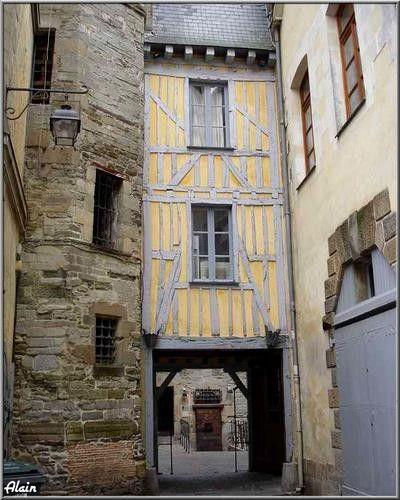 Entrée de la cour de la prison St Michel, impasse Rallier du Baty, Rennes