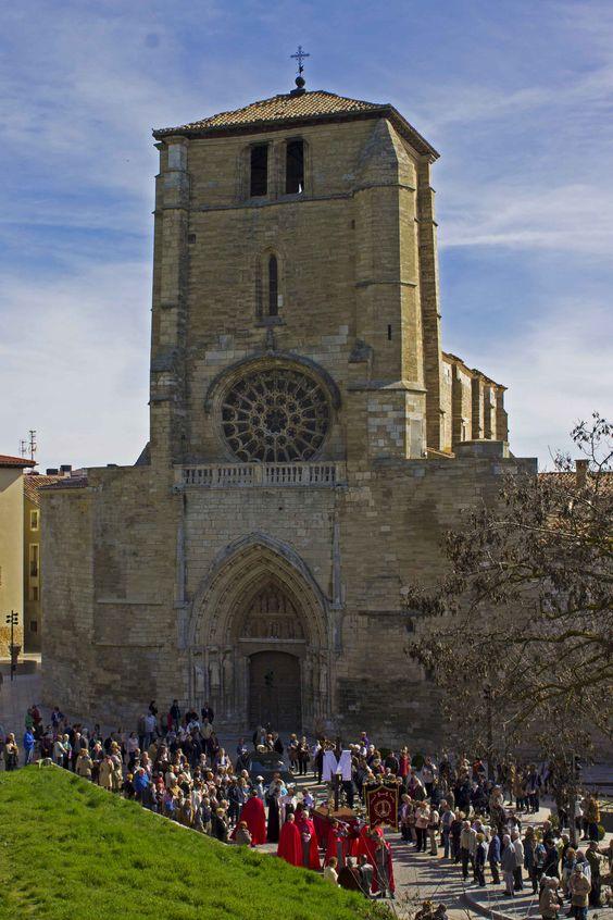 Procesión por las laderas del Castillo desde la Iglesia de San Lesmes. Semana Santa de Burgos 2015