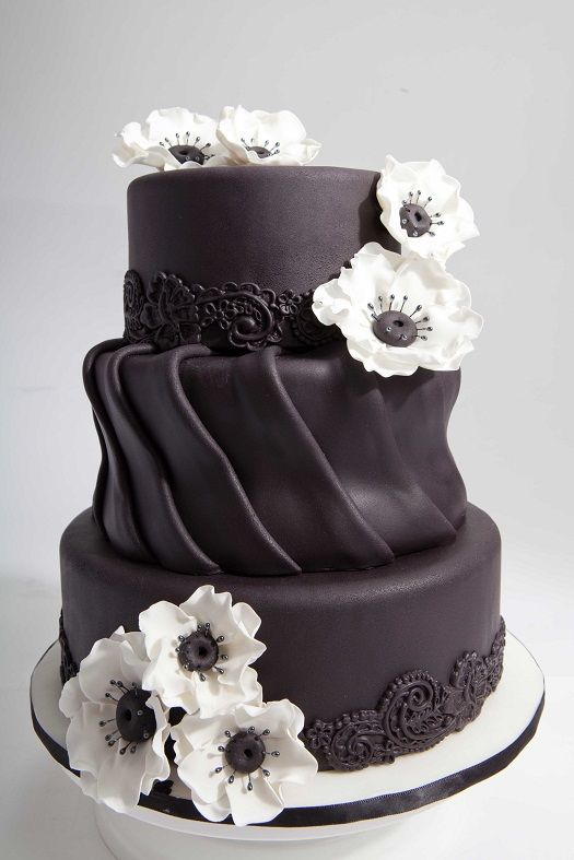 Cake Decorating Classes Kitchener : Cakes, Black and Black and white on Pinterest