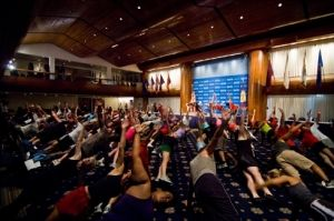 Tony Horton leads a workout at the National Press Club