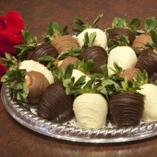 Virginia Beach, VA - The Royal Chocolate is a gourmet chocolate shop specializing in chocolates made in the store using Belgian chocolate. Find a wide variety of delicious goodies including 12 varieties of caramel and chocolate dipped apples.