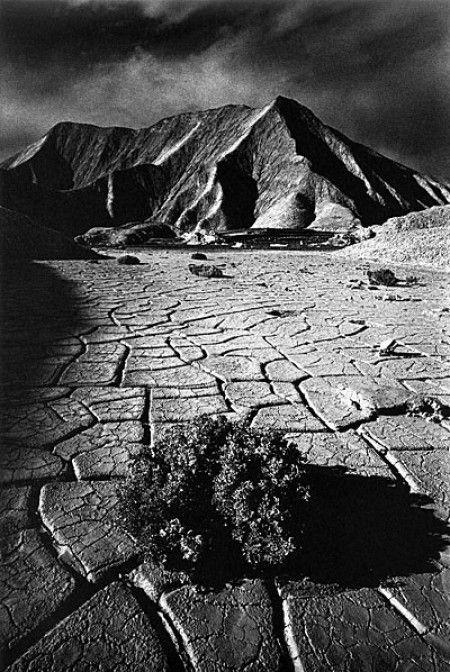 Vallée de la mort, Californië, 1977. Landscape. Jean-Loup Sieff.
