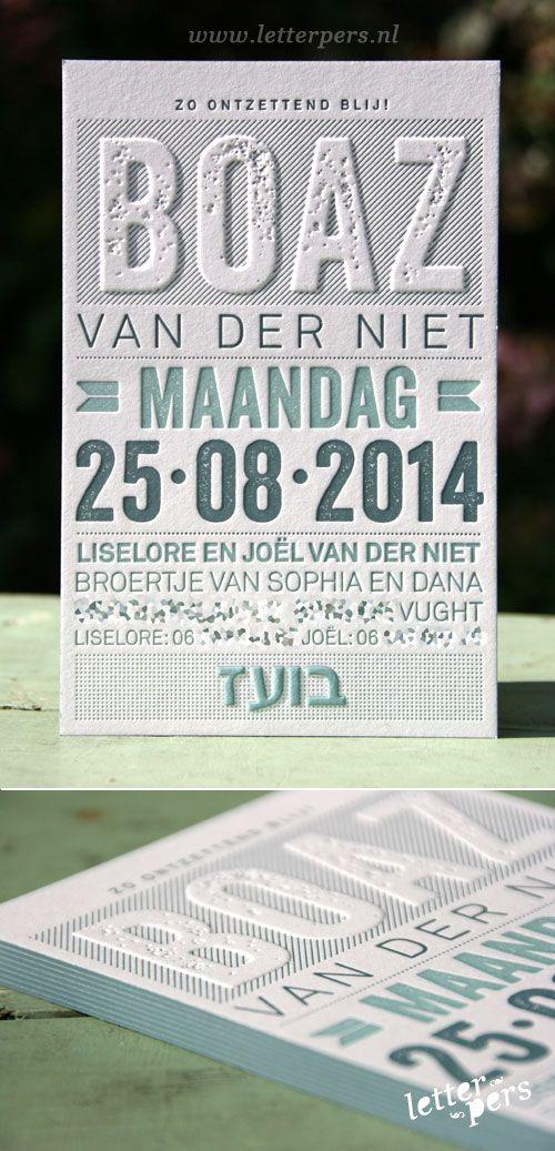 letterpers_letterpress_geboortekaartje_Boaz_stoer_kleur_zijkant_Vught_relief_typografisch