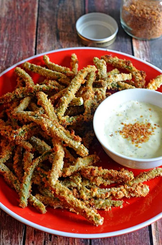 Baked Green Bean Fries with Sriracha Salt and Light Wasabi Ranch Dip.  Crispy, tasty, and guilt-free.  You're going to love these as an appetizer or side dish!   hostthetoast.com