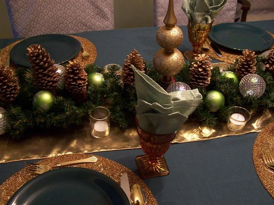 Decoration Ideas: Interesting Accessories For Christmas Table ...