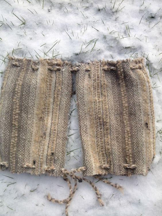 guêtres via Tiss'Art    . Click on the image to see more!le bienfait de la laine ...