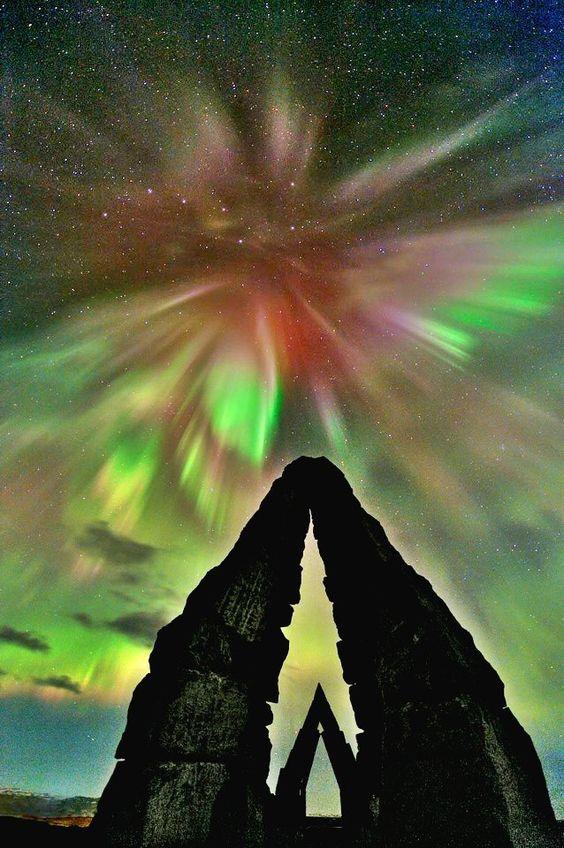 الله أكبر ولله الحمد !!                                              Aurora Borealis.  Iceland.