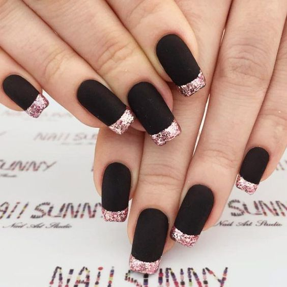 21 Edgy Ideas For Matte Black Nails To Break The Manicure Monotony