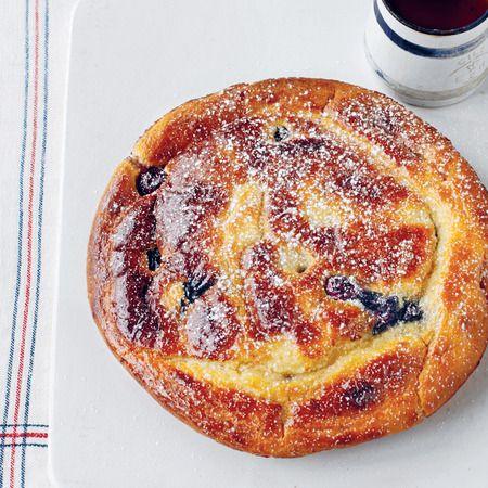 Tom Aikens' easy blueberry and buttermilk American pancakes recipe - Day Bag Recipes - handbag.com