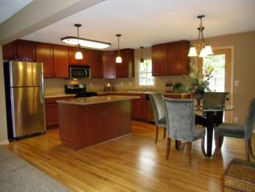 Split entry kitchen remodel this is what i want if for Split foyer remodel