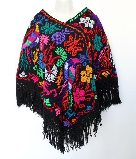 Un favorito personal de mi tienda Etsy https://www.etsy.com/mx/listing/478444191/hand-embroidered-mexican-poncho-ethnic
