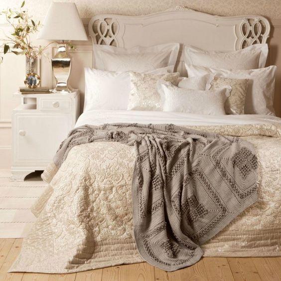 schlafzimmer dekorieren romantisch: trendige romantische deko ... - Schlafzimmer Creme Weis