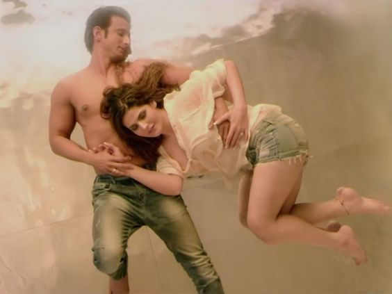Hate Story 3 earns well - http://nasiknews.in/hate-story-3-earns-well/