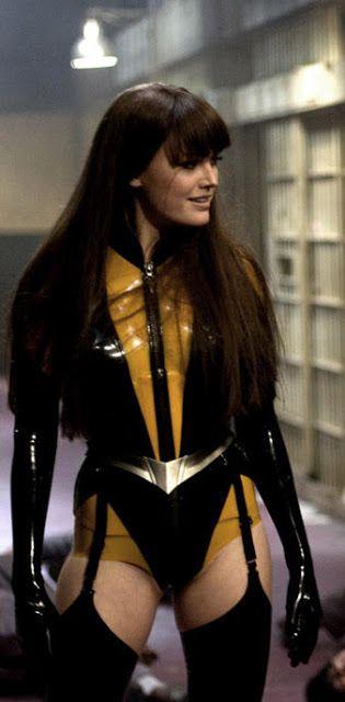 """Malin Akerman as Silk Spectre in """"Watchmen"""" celebrityleatherfashions.blogspot.com"""