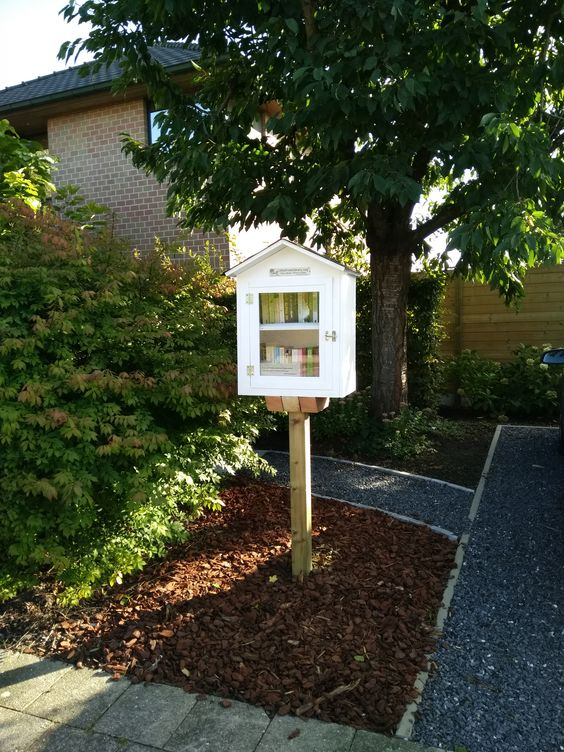 Little Free Library Ertvelde 3