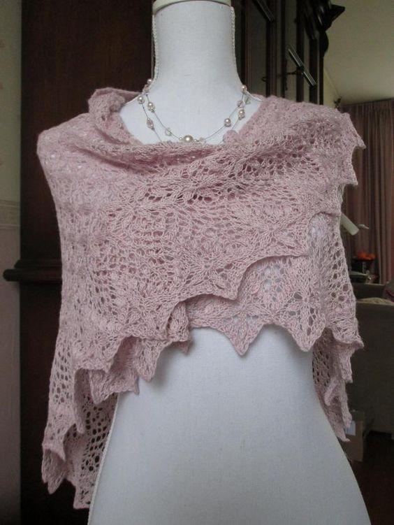 Omslagdoeken - Handgebreide kanten sjaal, omslagdoek, stola - Een uniek product van Marion-Kooiman op DaWanda