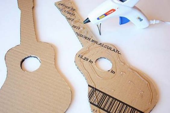 how to make a guitar at home with cardboard