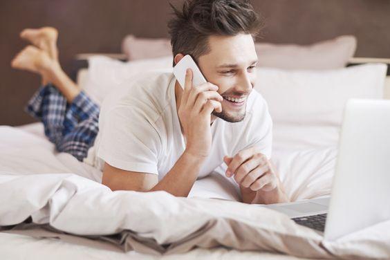 以前TABI LABOでは、世界中の成功者たちが朝の8時前にしていることをまとめた記事を紹介しました。ナイキのCEOマーク・パーカーは朝にヨガをし、ディズニーのCEOボブ・アイガーは4時半から読書を…と、成功者にはそれぞれの朝習慣があります。ここで紹介する記事は「I Heart Intelligence」のライターTanaaz Chubb氏が書いた早起きする人が人生で成功する11の理由。記事...