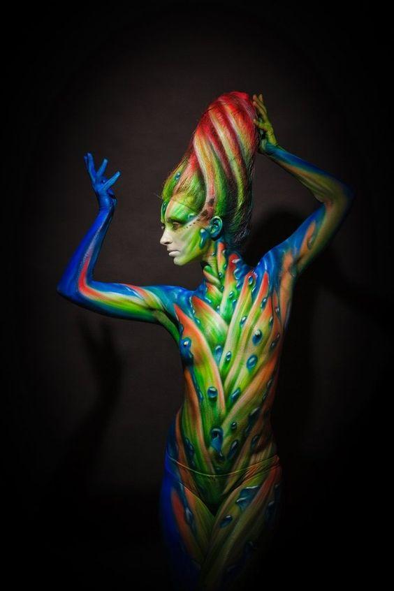 Body paint. S)