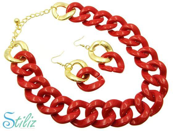 Collar dorado y rojo