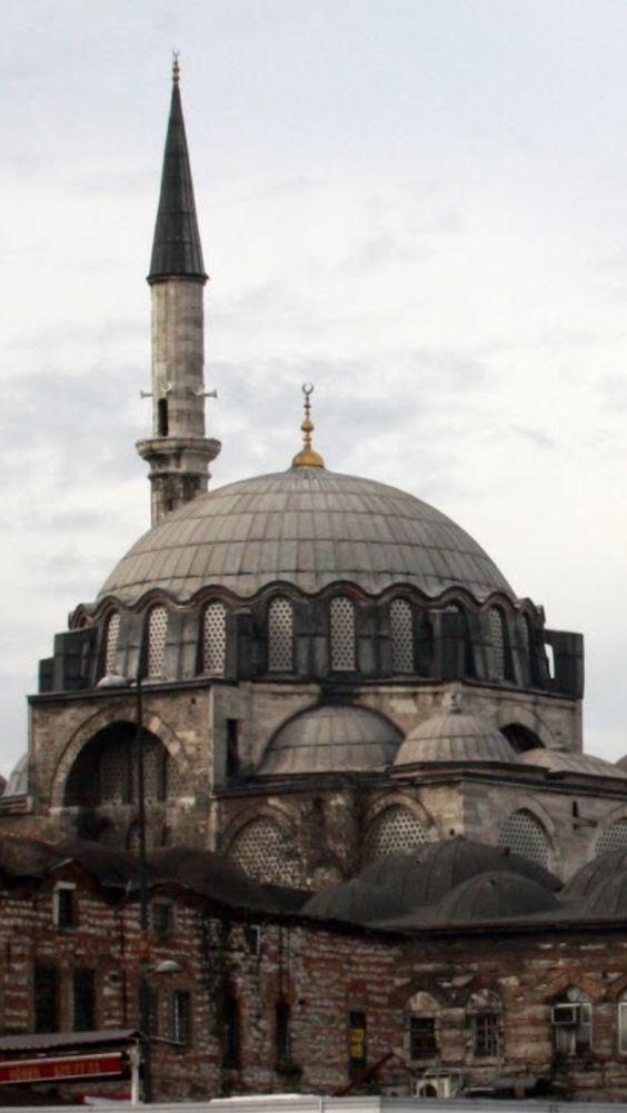 Mezquita de Rüstem Paşa, Estambul, Turquía