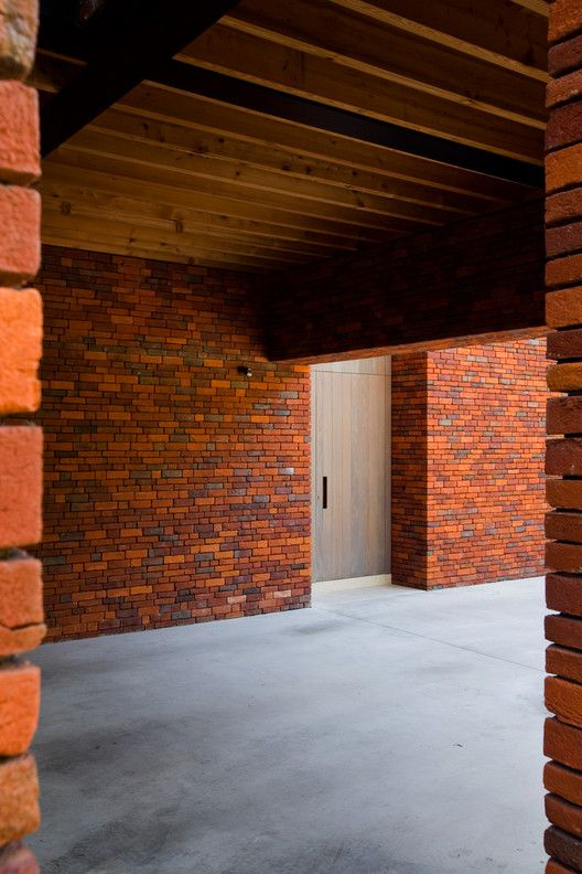 Gallery Of House Vv Iglesias Leenders Bylois Architecten 1 Brick Architecture House Iglesias