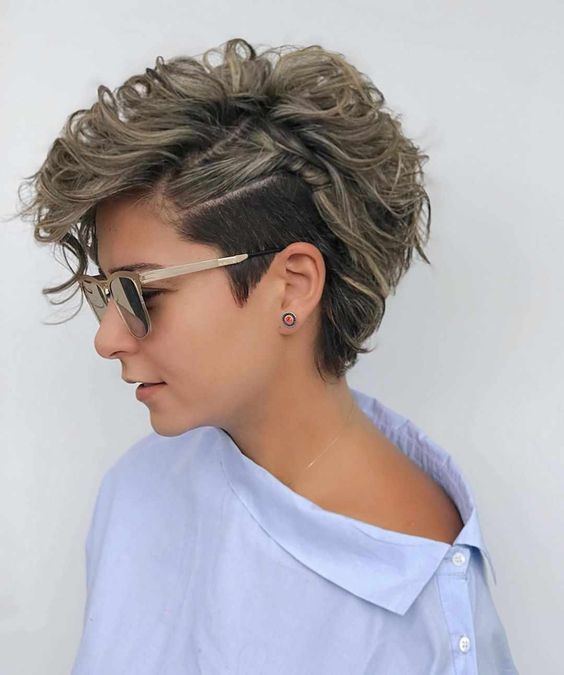 Popular Short Hairstyle For Female Easy Short Haircut Ideas Curly Pixie Haircuts Hair Styles Short Curly Haircuts