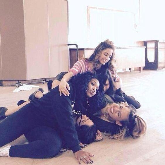 Group hug! Pass it on and RT #WorthItVMA