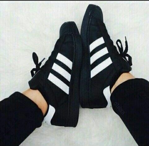 adidas woman shoes black