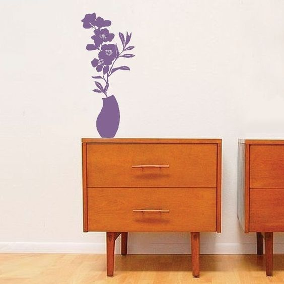 An appealing optical illusion, this 'vase' also comes in many colours from ellynelly.