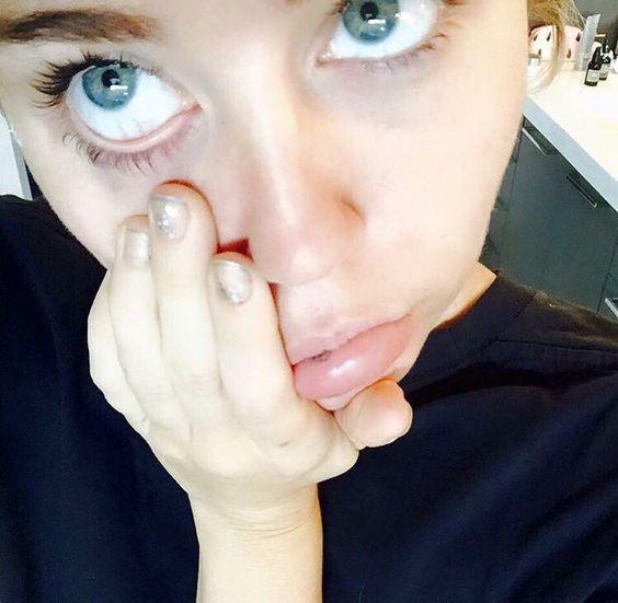 Miley's blue blue eyes