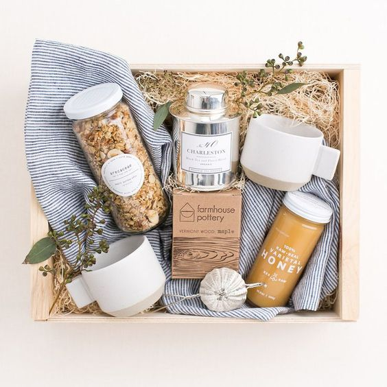 Gifts Wrapping & Package :    Breakfast in Bed gift box