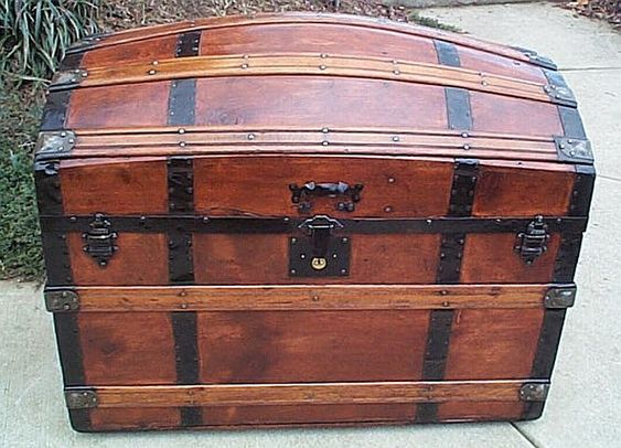 EXPERT PHOTOGRAPHIC HISTORY AND EXAMPLES OF NAUTICAL ANTIQUE TRUNKS, CHESTS  AND NAUTICAL FURNITURE - EXPERT PHOTOGRAPHIC HISTORY AND EXAMPLES OF NAUTICAL ANTIQUE